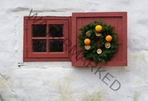 orange wreath-0562