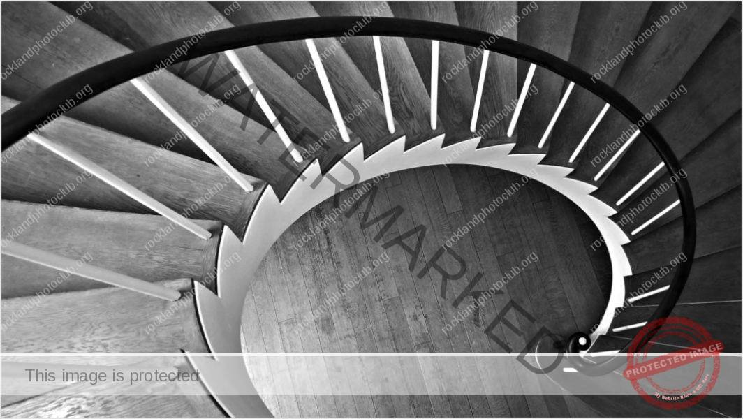 263 Evelyn Portnaya_Looking Up or Looking Down ADVANCED MONOCHROME_Stepping Down_9 Award