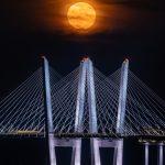 14-Moon Rise Over the Hudson River_Veronica Yacono